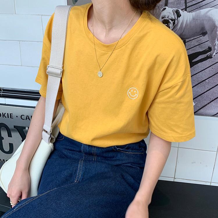Áo Thun Nữ in Hình Mặt Cười Vàng D1181